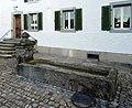 ReinachGautschihausBrunnen1.jpg