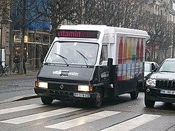 Renault Vitamin Water - multicolore - Strasbourg.JPG