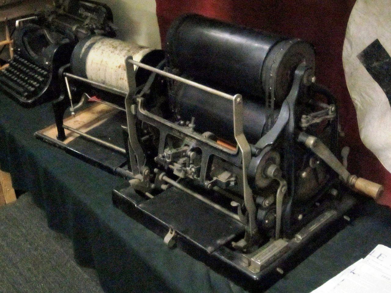MEsin Roneo mesin ketik tua