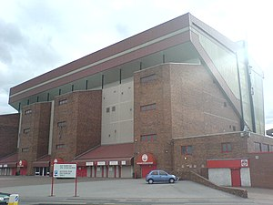 Die Richard Donald Stand des Pittodrie Stadium im August 2006