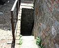 Rocca di Arquata del Tronto - scala di uscita del ballatoio del mastio.jpg