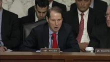 پرونده:Ron Wyden and James Clapper - 12 March 2013.webm