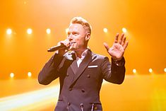 Ronan Keating - 2016330211205 2016-11-25 Night of the Proms - Sven - 1D X II - 0487 - AK8I4823 mod.jpg