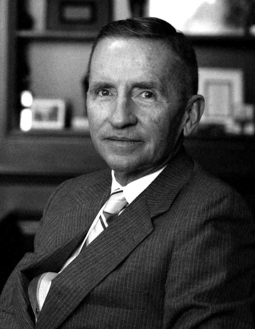Ross Perot in his office Allan Warren (cropped)