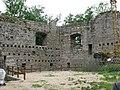 Ruine Windegg - Innenhof 1.jpg