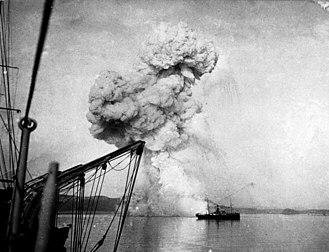 Russian gunboat Korietz - Korietz exploding at Chemulpo