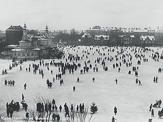 Lake Pavilion, Copenhagen - Ice skaters on Peblinge Lake in the 1910s