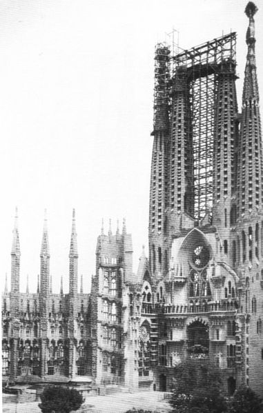 Sagrada Familia a la muerte de Gaudí