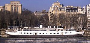 SS Nomadic (1911) - Nomadic as she appeared in 2000, docked on the Seine in Paris