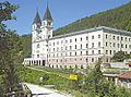 Samostan i župa sv. Ivana Krstitelja-Kraljeva-Sutjeska.jpg