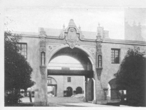 California Quadrangle - Entrance to the Plaza de California, 1916