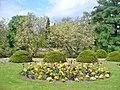 Schlosspark Wiesenburg - Blumenbeeten (Wiesenburg Palace Park - Flower Beds) - geo.hlipp.de - 36409.jpg