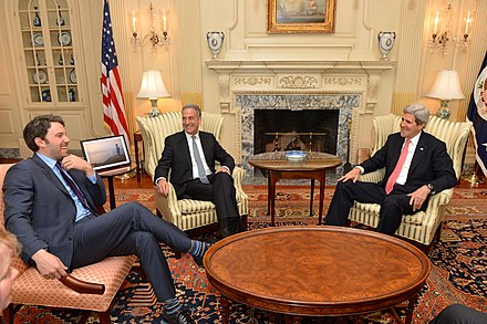 Affleck with Russ Feingold and Secretary of State John Kerry in February 2014 Secretary Kerry Meets With Ben Affleck (12797462584).jpg