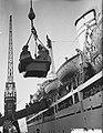 Sint Nicolaas en Zwarte Piet bezoeken het emigrantenschip de Groote Beer, Bestanddeelnr 906-8719.jpg