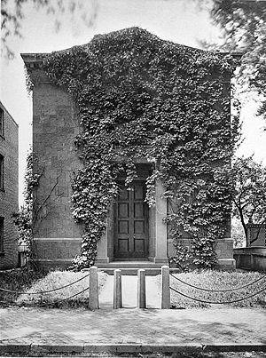 Skull and Bones - The tomb before the addition of a second wing
