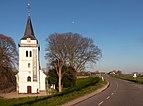 Slijk-Ewijk, de Hervormde kerk in straatzicht RM36758 IMG 4137 2020-04-05 19.03.jpg