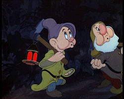 Snow white 1937 trailer screenshot (5).jpg