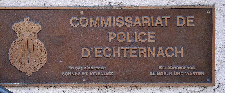 Bei der Police zu Iechternach ass et fir ze Schellen an ze Waarden.