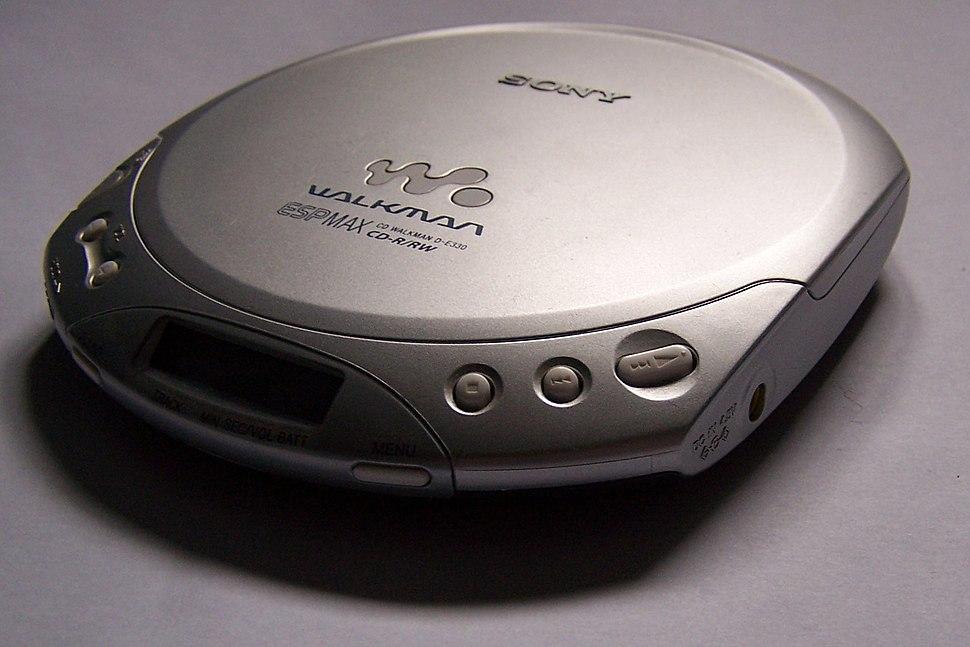 Sony CD Walkman D-E330 (cropped)