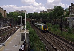 South Hampstead railway station MMB 09 350238.jpg