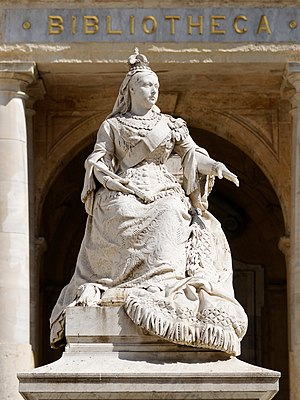 Republic Square, Valletta - Statue of Queen Victoria