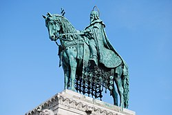 Statue of Stephen I of Hungary in Buda Castle (2).JPG