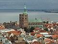 Stralsund, pohled na centrum z Marienkirche.JPG