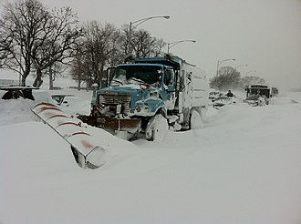 Climate of Illinois - Abandoned vehicles on Lake Shore Drive in Northern Illinois after a large snowstorm