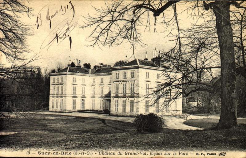 Sucy-en-Brie - Château du Grand-Val, façade sur le Parc
