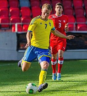 Oscar Hiljemark - Hiljemark in action for Sweden U21