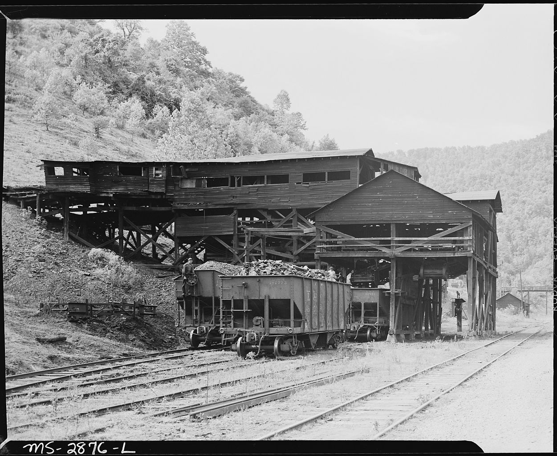 File The Tipple P V Amp K Coal Company Clover Gap Mine