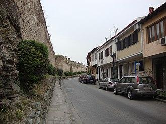 Upper Town (Thessaloniki) - Street beside the walls