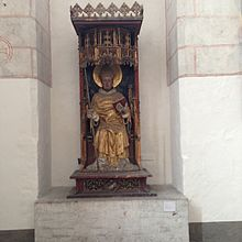 Thomas Becket Copy of Skepptuna statue in Crispin Chapel 1137.jpg
