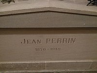 Tomb of Jean Perrin in Panthéon.jpg