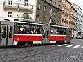 Tramvaj na křižovatce Bělehradská x Šafaříkova 1.JPG