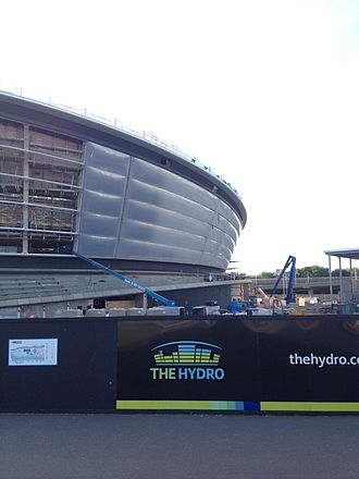SSE Hydro - Translucent cushions being installed, July 2013.