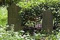 Twee grafmonumenten op de begraafplaats. Het linker grafmonument is van Cormelis Antonie Boonacker, het rechter grafmonument is van J.H. Koning-Levert - Leiden - 20413212 - RCE.jpg