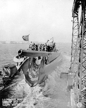 USS Bonefish launching
