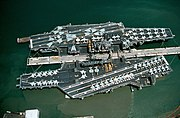 USS Midway (CV-41) and USS Independence (CV-62) docked at Pearl Harbor on 23 August 1991 (6478213)