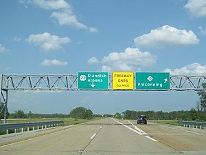 U.S. Route 23 in Michigan - Image: US 23 northern freeway end