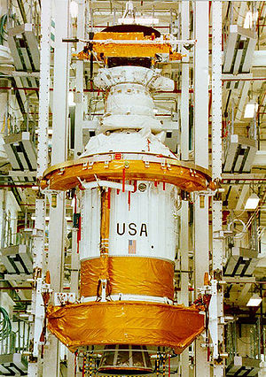 Ulysses (spacecraft) - Ulysses sits atop the PAM-S and IUS combination