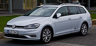 Volkswagen Golf Estate - Image: VW Golf Variant 1.4 TSI Blue Motion Technology Highline (VII, Facelift) – Frontansicht, 21. April 2017, Düsseldorf