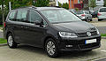 VW Sharan II 2.0 TDI BlueMotion Technology Comfortline front-1 20101002.jpg