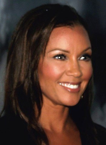 English: Vanessa Williams at pre-opening of Ot...