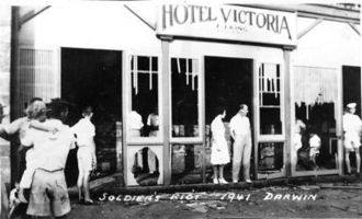 Victoria Hotel, Darwin - Inspecting the damage following the soldiers riot of September 1941.