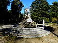 Villa Giulia fontana Genio Palermo.jpg