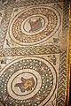 Villa Romana del Casale-Grand Péristyle-Corridor-protomés d'animaux insérés dans des couronnes de lauriers- 029.jpg