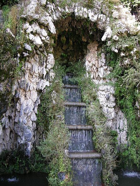 File:Villa reale di marlia, teatro d'acqua 08.JPG