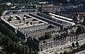 Vogelvlucht perspectief op Spangen. Links van het midden het Justus van Effenblok en op de achtergrond het oude stadion van Sparta, Het Kasteel - Rotterdam - 20264912 - RCE.jpg