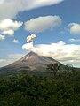 Volcán Arenal - Erupcion, 2010.jpg